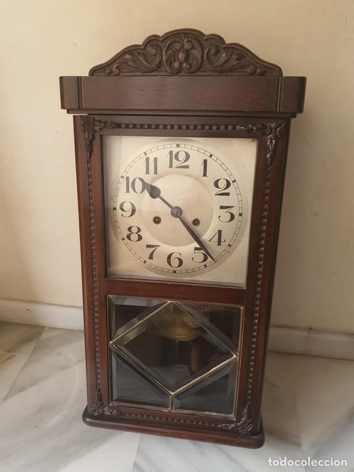 BONITO RELOJ DE PARED, FUNCIONANDO (Relojes - Pared Carga Manual)