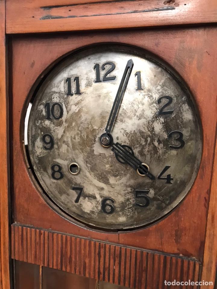 Relojes de pared: ANTIGUO RELOJ DE PAREJ - Foto 2 - 218455862