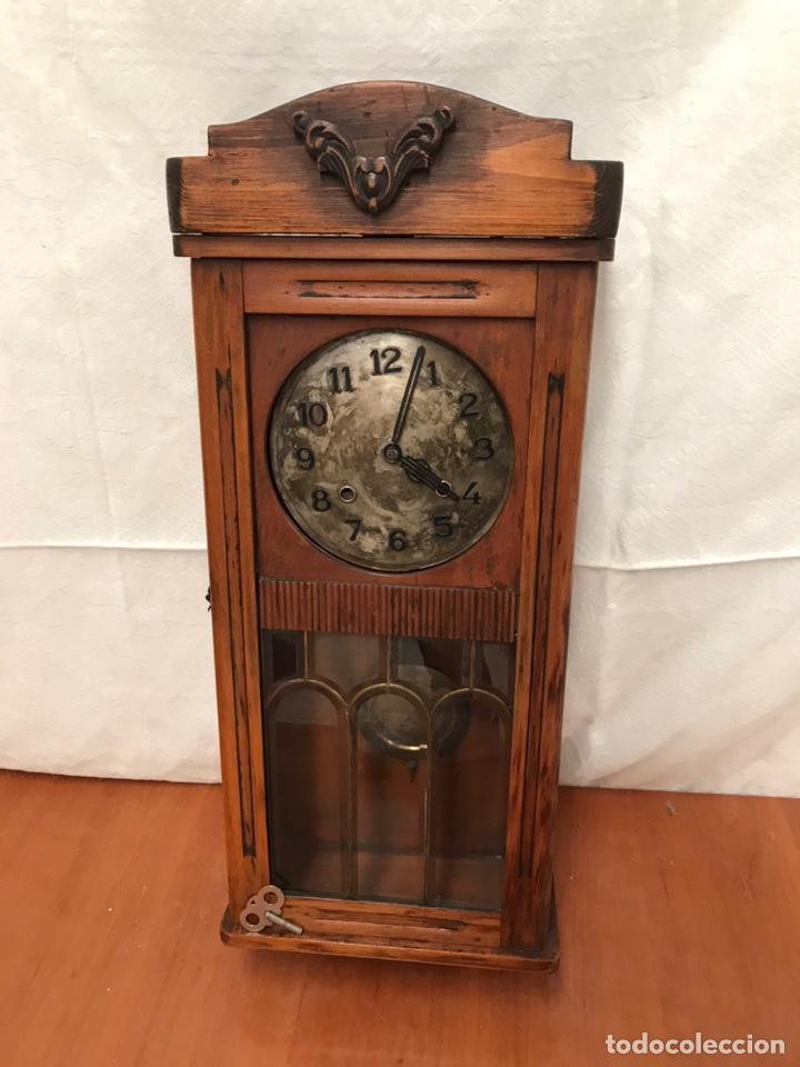 ANTIGUO RELOJ DE PAREJ (Relojes - Pared Carga Manual)