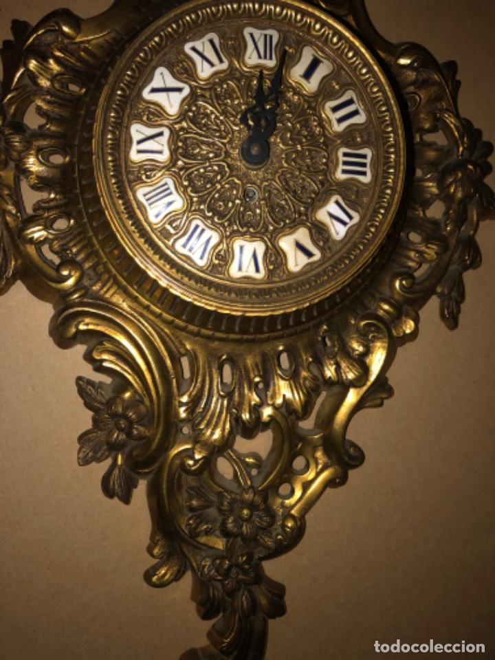 Relojes de pared: RELOJ DE PARED DE BRONCE ANTIGUO - Foto 3 - 218469703