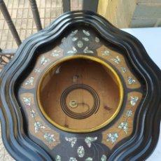 Relojes de pared: ANTIGUA CAJA DE OJO DE BUEY. Lote 218677880