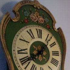 Relojes de pared: BONITO Y ORIGINAL RELOJ DE PARED ANTIGUO DE PESAS. Lote 218723492