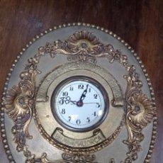 Relojes de pared: ORIGINAL RELOJ CON PUBLICIDAD MEDINA HERMANOS FÁBRICA DE ARTÍCULOS DE GOMAS PALMA DE MALLORCA. Lote 218775115