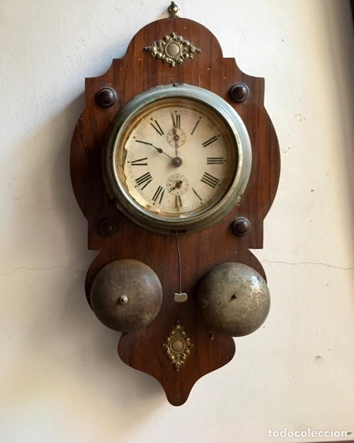 ANTIGUO RELOJ DE PARED Y DESPERTADOR MARCA ALEMANA JUNGHANS (UNGHANS) A RESTAURAR. MEDIDAS 36X20X7CM (Relojes - Pared Carga Manual)