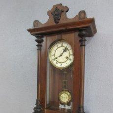 Relojes de pared: ANTIGUO RELOJ DE PARED - MARCA JUNGHANS - FUNCIONA - COMPLETO - CIRCA 1900. Lote 220258600