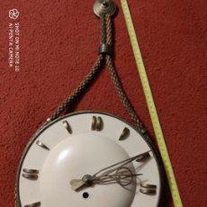 Relojes de pared: MAGNIFICO RELOJ ANTIGUO CUERDA NAUTICO CON LLAVE DIAMETRO 25 CM. Lote 220985553