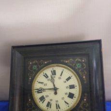 Relojes de pared: ESPECTACULAR RELOJ OJO DE BUEY CON INCRUSTACIONES SIGLO XIX. Lote 222175158