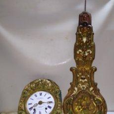 Relojes de pared: ANTIGUO RELOJ MOREZ PENDULO REAL POLICROMADO SIGLO XIX. Lote 222836550