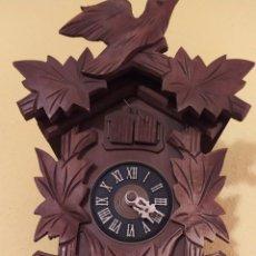 Relojes de pared: RELOJ MECÁNICO DE CUCO SELVA NEGRA ALEMANIA. Lote 222883696