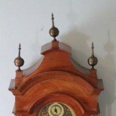 Relojes de pared: RELOJ PARED SIMPSON ERIKER, STRIKE SILENT, MADERA CEREZO, BRONCE Y LATÓN, BUEN FUNCIONAMIENTO. Lote 224185737