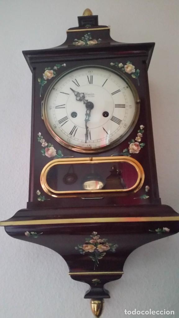 Relojes de pared: PRECIOSO Y ANTIGUIORELOG ORIGINAL IVERDON SUIZA HECHO BALIKA PINTADO A MANO FONCIONA PERFECTAMENTE - Foto 2 - 226086640