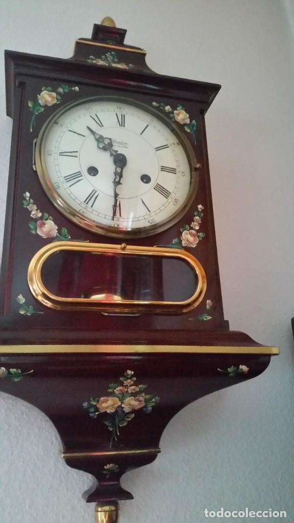 Relojes de pared: PRECIOSO Y ANTIGUIORELOG ORIGINAL IVERDON SUIZA HECHO BALIKA PINTADO A MANO FONCIONA PERFECTAMENTE - Foto 5 - 226086640
