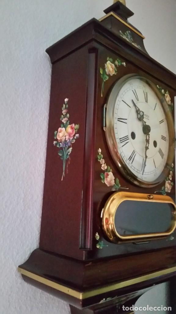 Relojes de pared: PRECIOSO Y ANTIGUIORELOG ORIGINAL IVERDON SUIZA HECHO BALIKA PINTADO A MANO FONCIONA PERFECTAMENTE - Foto 6 - 226086640