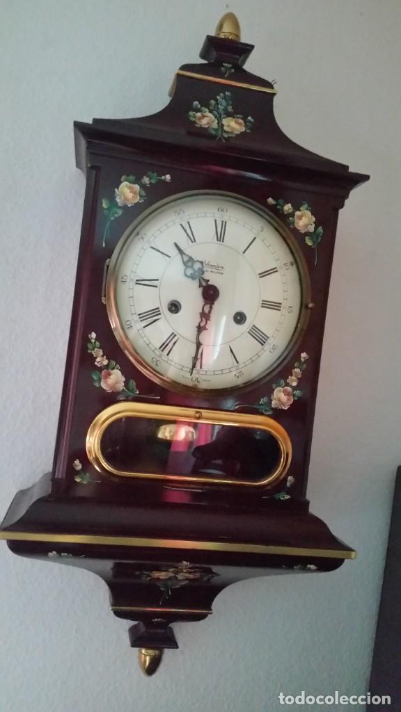 Relojes de pared: PRECIOSO Y ANTIGUIORELOG ORIGINAL IVERDON SUIZA HECHO BALIKA PINTADO A MANO FONCIONA PERFECTAMENTE - Foto 9 - 226086640