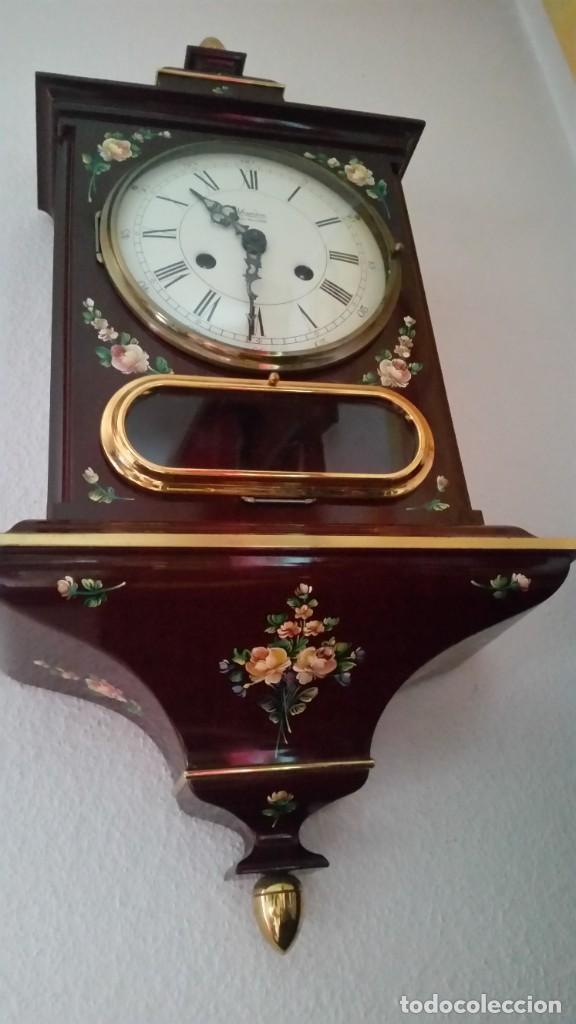 Relojes de pared: PRECIOSO Y ANTIGUIORELOG ORIGINAL IVERDON SUIZA HECHO BALIKA PINTADO A MANO FONCIONA PERFECTAMENTE - Foto 10 - 226086640