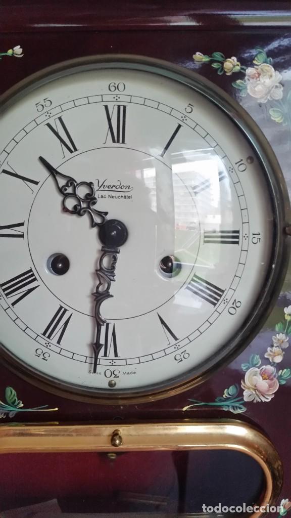 Relojes de pared: PRECIOSO Y ANTIGUIORELOG ORIGINAL IVERDON SUIZA HECHO BALIKA PINTADO A MANO FONCIONA PERFECTAMENTE - Foto 12 - 226086640