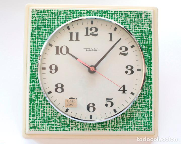 Relojes de pared: Reloj vintage de cocina o pared retro Diehl electromecánico, Nuevo de antiguo stock! Funciona. - Foto 3 - 230580850