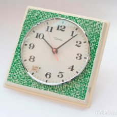 Relojes de pared: RELOJ VINTAGE DE COCINA O PARED RETRO DIEHL ELECTROMECÁNICO, NUEVO DE ANTIGUO STOCK! FUNCIONA.. Lote 230580850