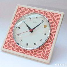 Relojes de pared: RELOJ VINTAGE DE COCINA O PARED GONG ELECTROMECÁNICO, NUEVO DE ANTIGUO STOCK! FUNCIONA Y SE PARA. Lote 231227800