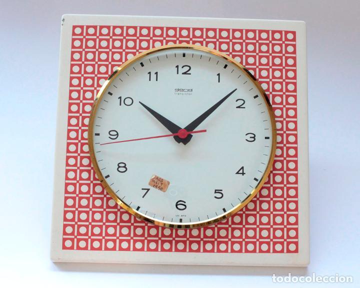 Relojes de pared: Reloj vintage de cocina o pared Gong electromecánico, Nuevo de antiguo stock! Funciona. - Foto 3 - 231228160