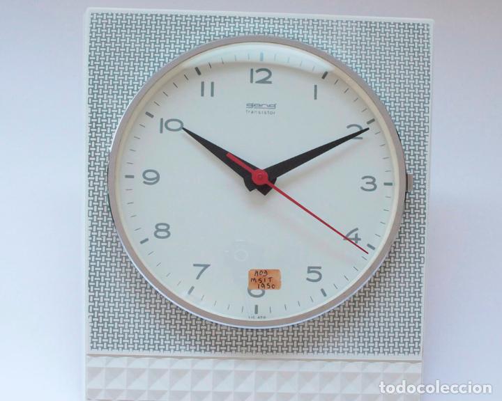 Relojes de pared: Reloj vintage de cocina o pared Gong electromecánico, Nuevo de antiguo stock! Funciona y se para - Foto 3 - 231230410