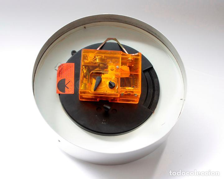 Relojes de pared: Reloj vintage de cocina o pared Micro electromecánico, de antiguo stock! NO Funciona - Foto 5 - 231502645