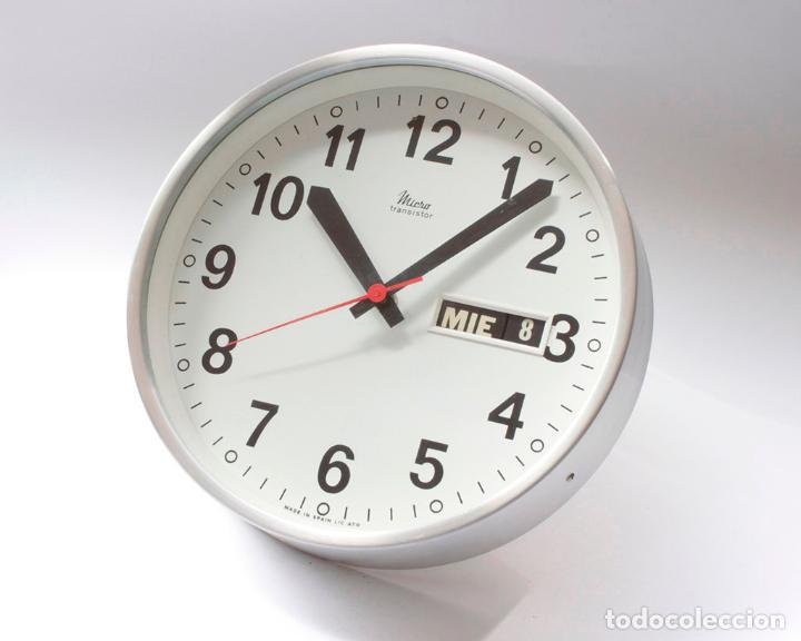 RELOJ VINTAGE DE COCINA O PARED MICRO ELECTROMECÁNICO, DE ANTIGUO STOCK! NO FUNCIONA (Relojes - Pared Carga Manual)