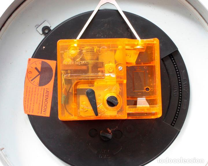 Relojes de pared: Reloj vintage de cocina o pared Micro electromecánico, de antiguo stock! NO Funciona - Foto 5 - 231502885
