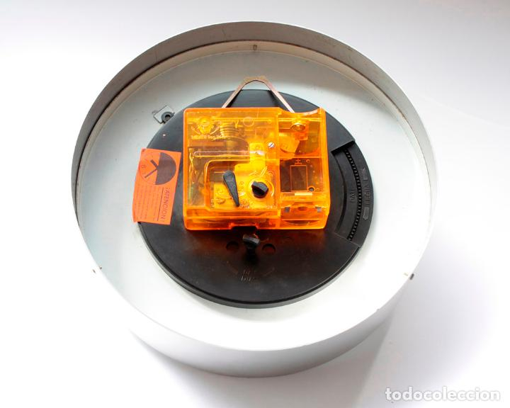 Relojes de pared: Reloj vintage de cocina o pared Micro electromecánico, de antiguo stock! NO Funciona - Foto 6 - 231502885