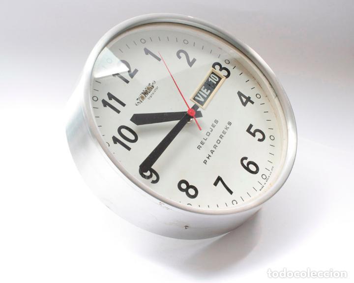 Relojes de pared: Reloj vintage de cocina o pared Micro Pharoreks (A Coruña) electromecánico, NO Funciona - Foto 2 - 231503365