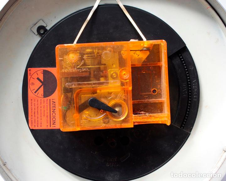 Relojes de pared: Reloj vintage de cocina o pared Micro Pharoreks (A Coruña) electromecánico, NO Funciona - Foto 6 - 231503365