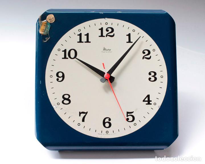 Relojes de pared: Reloj vintage de cocina o pared Micro electromecánico, de antiguo stock! NO Funciona, falta cristal - Foto 3 - 231503960