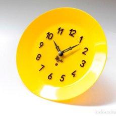 Relojes de pared: RELOJ VINTAGE DE COCINA O PARED MICRO MECÁNICO PLATO, DE ANTIGUO STOCK! NO FUNCIONA. VER FOTOS. Lote 231512050