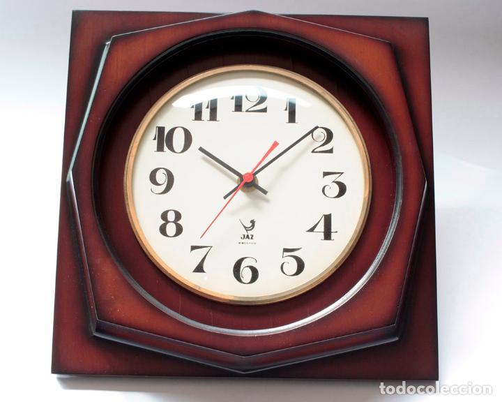 Relojes de pared: Reloj vintage de pared Jaz electromecánico, de antiguo stock! Funciona. - Foto 4 - 231513655