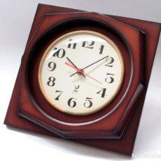 Relojes de pared: RELOJ VINTAGE DE PARED JAZ ELECTROMECÁNICO, DE ANTIGUO STOCK! FUNCIONA.. Lote 231513655