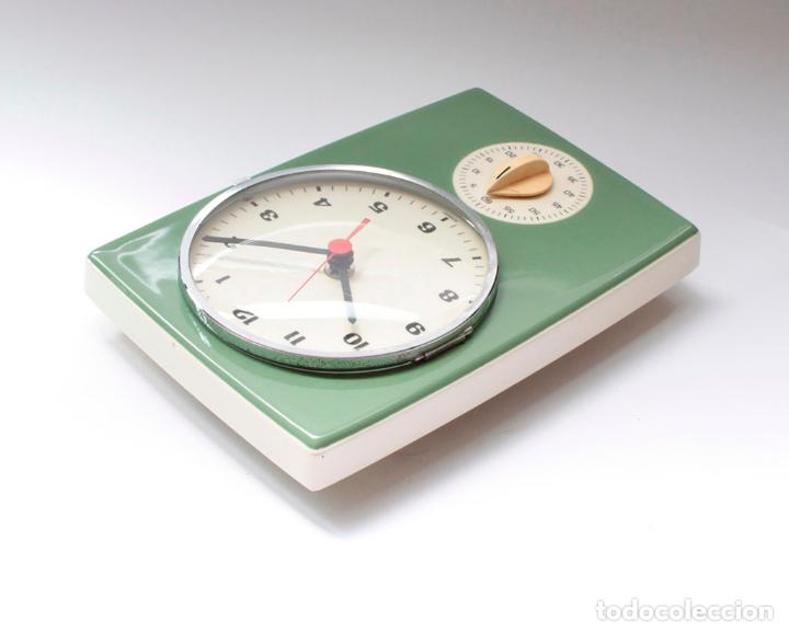 Relojes de pared: Reloj vintage de pared o cocina con temporizador electromecánico de porcelana, NOS. NO Funciona. - Foto 4 - 231517910