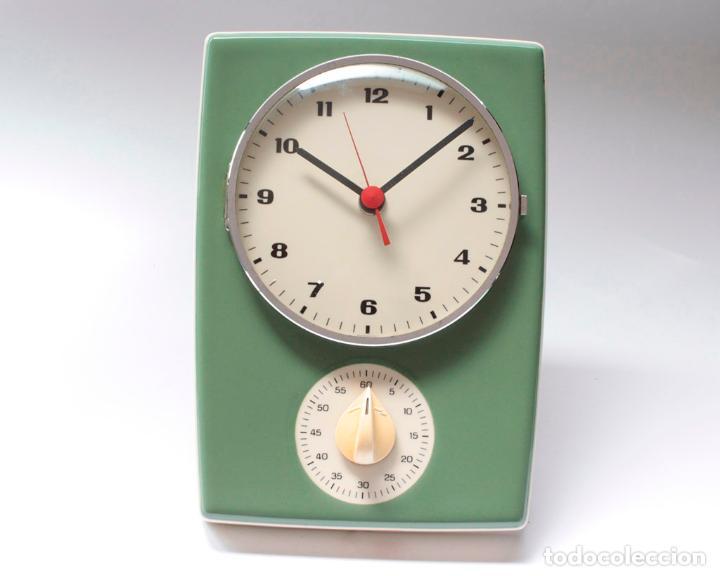 Relojes de pared: Reloj vintage de pared o cocina con temporizador electromecánico de porcelana, NOS. NO Funciona. - Foto 5 - 231517910