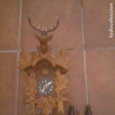 Relojes de pared: RELOJ ANTIGUO DE PARED ALEMÁN CUCU CUCO PÉNDULO FUNCIONA CON PESAS FABRICADO EN SELVA NEGRA ALEMANA. Lote 232077255