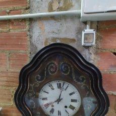 Relojes de pared: ANTIQUÍSIMO RELOJ OJO DE BUEY CON INCRUSTACIONES DE NÁCAR. Lote 234277255
