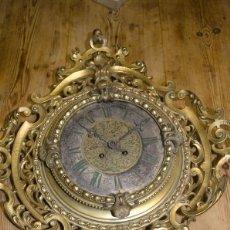 Relojes de pared: RELOJ ANTIGUO DE PARED GUSTAV BEQUER - 52CM - BRONCE MACIZO - RESTAURAR. Lote 184183228