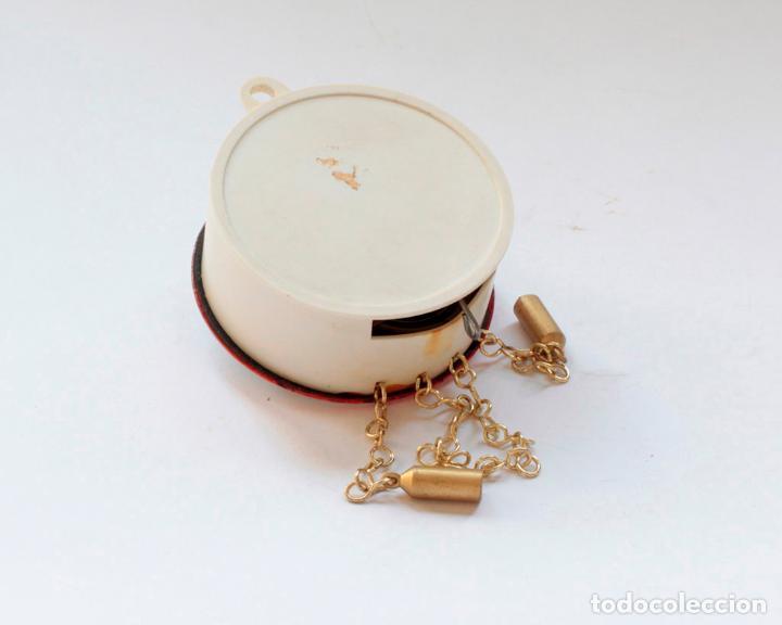 Relojes de pared: Reloj alemán miniatura vintage de pesas esmaltado a cuerda, NUEVO de antiguo stock! - Foto 6 - 234921990