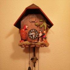 Relógios de parede: PEQUEÑO RELOJ CUCU-CUCO CON UNA BRUJA AUTOMATA.. Lote 235187150