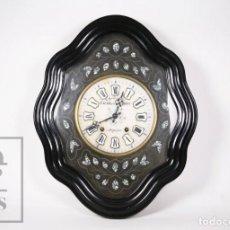 Relojes de pared: RELOJ DE PARED ESFERA DE ALABASTRO Y NÁCAR, MAQUINARIA MOREZ S. XIX - VAURS / S. DE VOISIN,PERPIGNAN. Lote 235627715