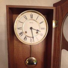 Relojes de pared: RELOJ DE PARED HERMES, FA RICADO EN ALEMANIA.CON CAJA DE MADERA Y CUERDA PARA OCHO DÍAS.. Lote 235787530