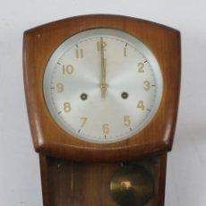 Relojes de pared: RELOJ PARED VINTAGE. Lote 235801725