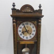 Relojes de pared: BONITO RELOJ DE PARED THREE STAN ( COREA ) CARGA MANUAL. Lote 236077645