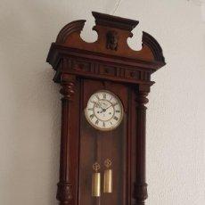Relojes de pared: RELOJ ANTIGUO VIENA REGULADOR VIENES GUSTAV BECKER BUEN ESTADO DEDICACION Y FECHADO 1903 FUNCIONA. Lote 237136050