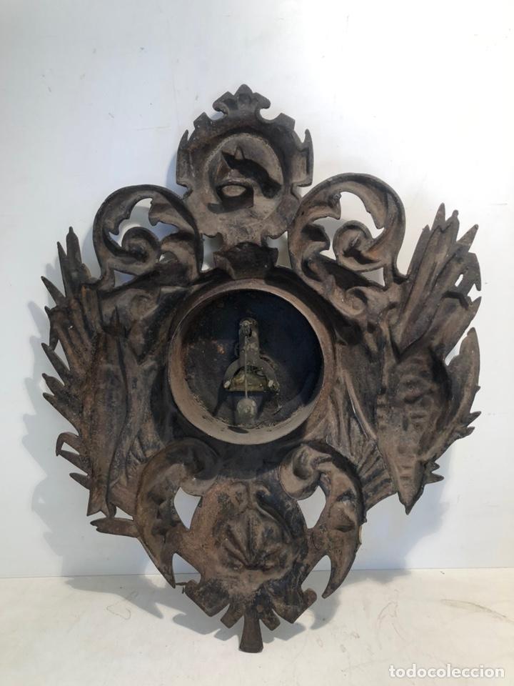 Relojes de pared: PRECIOSO FRONTAL DE RELOJ DE HIERRO COLADO CON MOTIVOS DE CAZA Y PESCA ANTIGUO. - Foto 6 - 238552705