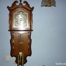 Relojes de pared: RELOJ DE PARED A PESAS. Lote 238875750