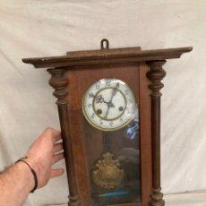 Relógios de parede: PRECIOSO RELOJ ANTIGUO DE PARED!. Lote 243034280